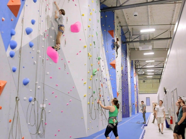 Top rope wall